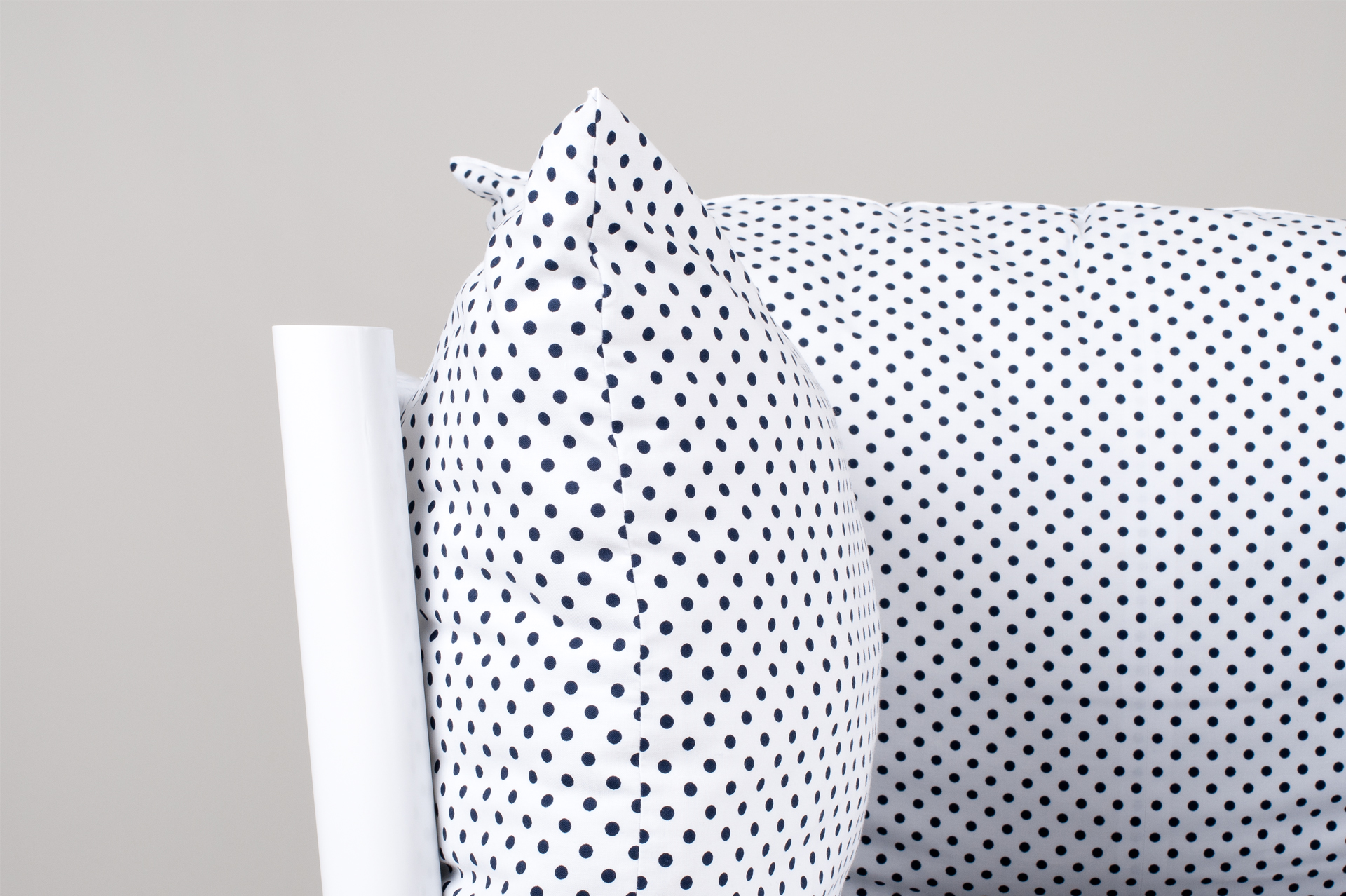 armchair, armchair design, traditional design, slovak design, culture, object design, kreslo, dizajn kresla, sedenie, dots design, bodky, culture, veronika paluchova, product designer, produkt, dizajner,