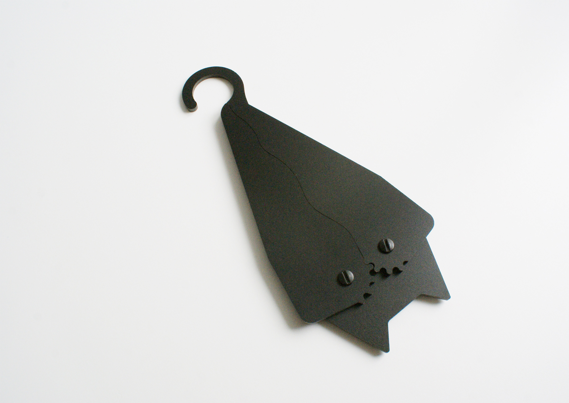 batman, bathanger, bat design,  hanger design, bathanger design, coat hanger, design hanger, bat, animal design, netopier, vesiak na saty, ramienko netopier, ramienko na saty, objekt, dizajn, product design, veronika paluchova, product designer, dizajner, vesiak