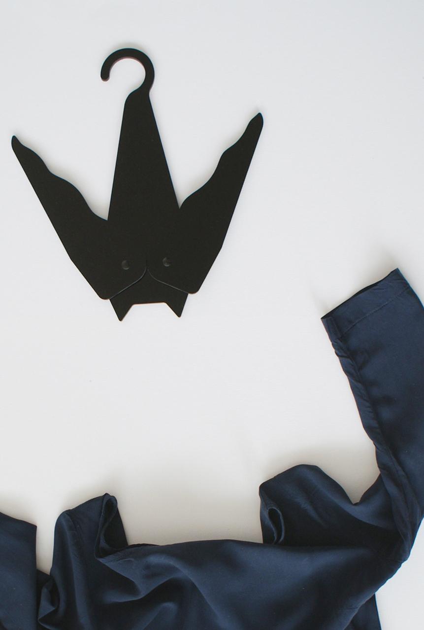 batman, bathanger, bat design,  hanger design, bathanger design, coat hanger, design hanger, bat, animal design, netopier, vesiak na saty, ramienko netopier, ramienko na saty, objekt, dizajn, product design, veronika paluchova, product designer, dizajner, vesiak