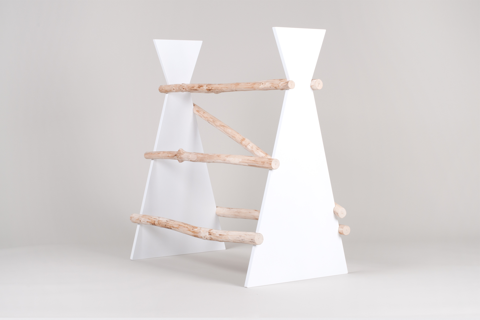 hanger design, hanger, nemy sluha, dizajn nemy sluha, design, product design, object design, hanger, vesiak, produkt dizajn,  veronika paluchova, dizajner, designer, traditional design, culture, product designer